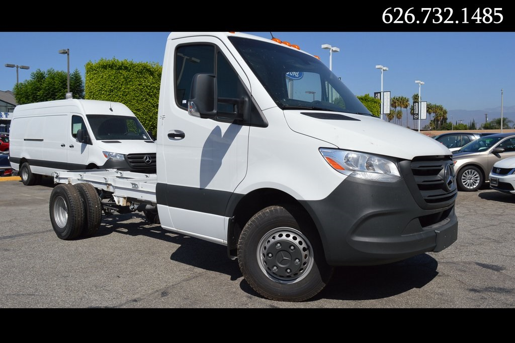 New 2019 MERCEDES-BENZ SPRINTER 3500 XD Cab Chassis 144 WB